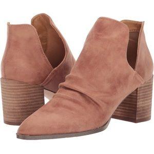 NWT Report Tonya Low Cut Chunky Heel Boot